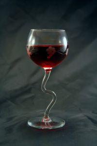 red-wine_mke1kxuu-1728-x-2592