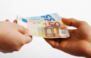 buying-something-in-euros-cash_zjuwgbw_